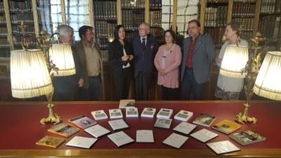 El antropólogo Carmelo Lisón entrega a la DPZ una copia de su archivo documental, fotográfico y audiovisual