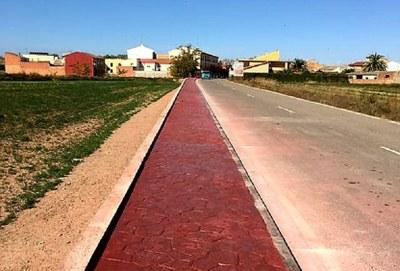 La Diputación de Zaragoza construye un andador para que los vecinos de Cabañas puedan caminar seguros hasta el cementerio