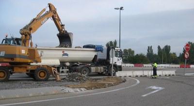 La Diputación de Zaragoza empieza a construir la rotonda de acceso a Garrapinillos desde la carretera del aeropuerto