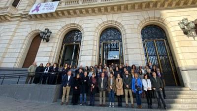 La Diputación de Zaragoza guarda un minuto de silencio con motivo del Día Internacional Contra la Violencia de Género