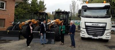 La Diputación de Zaragoza renueva su parque de maquinaria con dos motoniveladoras y una retroexcavadora