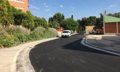La DPZ mejora el firme de la calle Monasterio de Nuestra Señora de los Ángeles, principal acceso a la residencia de estudiantes Pignatelli