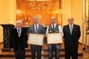 La DPZ recibe el título de Hermano Bienhechor de la Hermandad del Refugio de Zaragoza