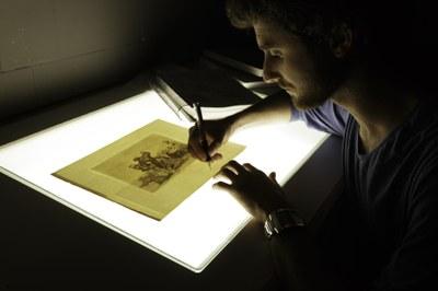 La escuela taller de la Diputación de Zaragoza restaura 39 grabados de Goya de la serie 'Los desastres de la guerra'