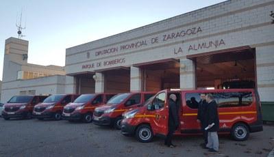 Los bomberos de la Diputación de Zaragoza incorporan cinco nuevas furgonetas para transportar personal y carga