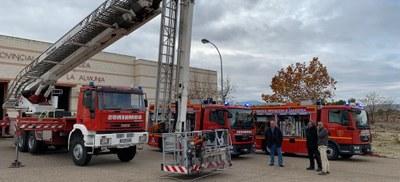 Los bomberos de la Diputación de Zaragoza incorporan dos nuevos camiones ligeros y un brazo telescópico de 42 metros