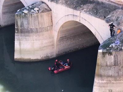 Los bomberos de la DPZ realizan un simulacro sobre cómo llevar a cabo una búsqueda en el embalse de Mequinenza