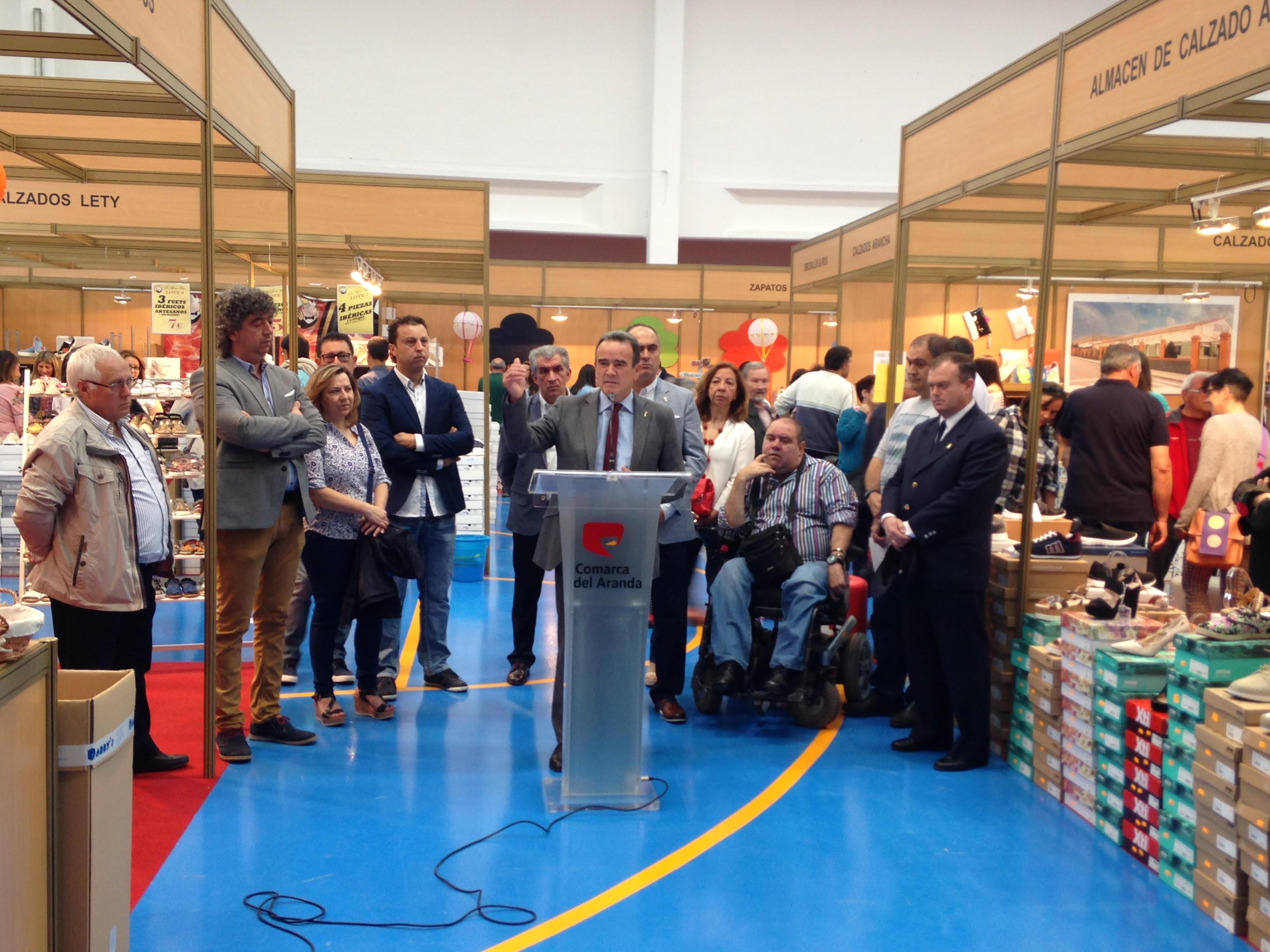 Sánchez Quero destaca en la feria Expo Calzado de Brea la importancia del  empleo para frenar 6cac04bbf859