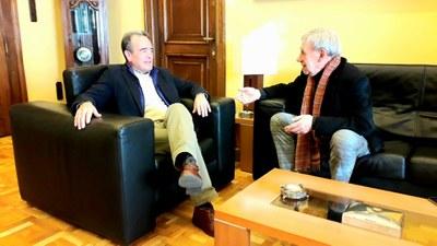 Sánchez Quero recibe al cantautor Joaquín Carbonell, que este lunes celebra sus 50 años en los escenarios