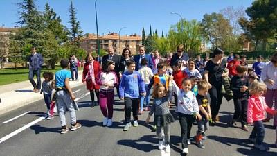 Sánchez Quero visita en Ejea la mejora del acceso al barrio de La Llana