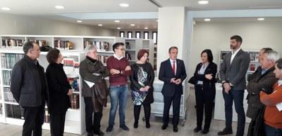 Sánchez Quero visita la nueva biblioteca-ludoteca de Fuentes de Ebro, que ha costado 610.000 euros financiados al 80% por la DPZ