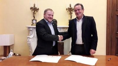Sánchez Quero y el alcalde de Borja firman el convenio para que la DPZ restaure la casa de las Conchas con una inversión de 500.000 €