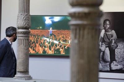 Visitas guiadas a la exposición 'Heraldo. 125 años de fotografías', por la que ya han pasado más de 2.300 personas